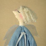 angel-with-heart-in-blue-6443